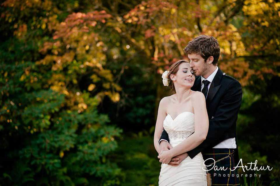 Elegant wedding photography at Mount Stuart by Ian Arthur Wedding Photography