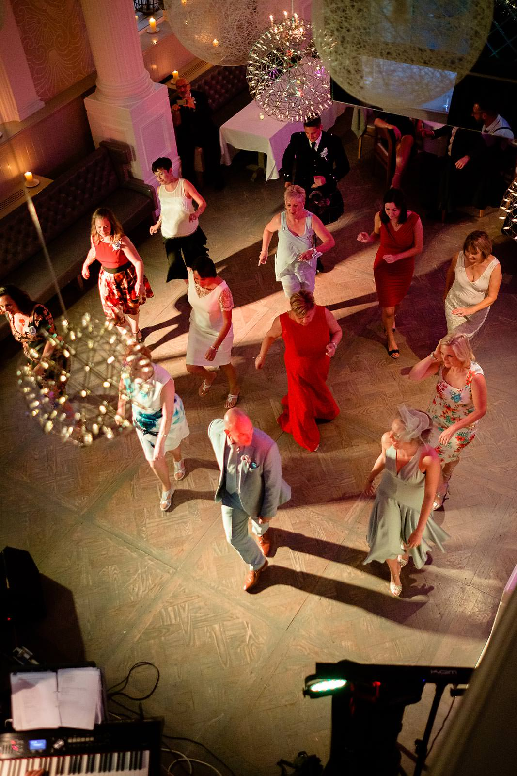 the slosh is alive and well in glasgow by Ian Arthur wedding photography